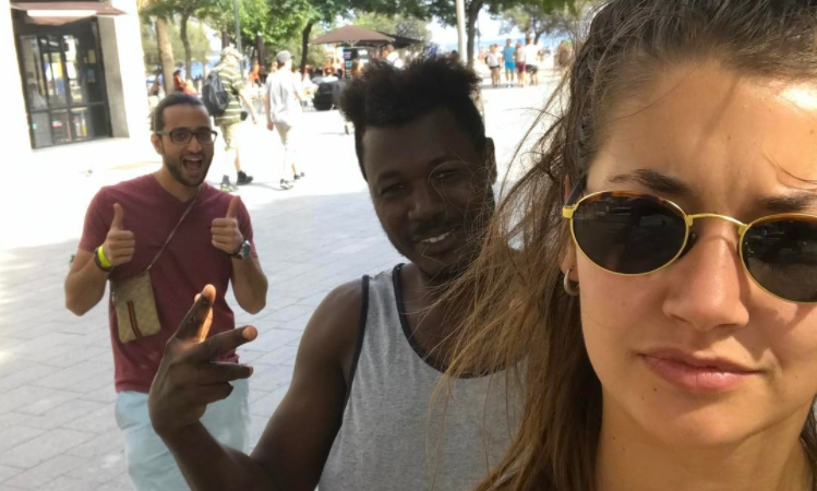 This Woman Took Selfies With Every Man Who Catcalled Her For A Month And Posted The Whole Damn Thing To Instagram