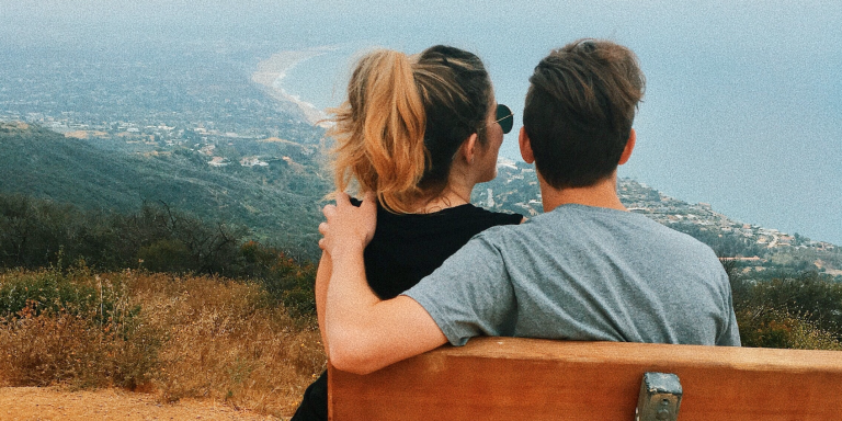 50 Super Sweet Things To Do For Someone Whose Love Language Is 'Touch'