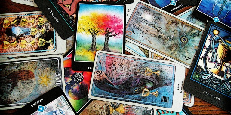 The Three Tarot Cards You Absolutely Want In Your New Year's Reading
