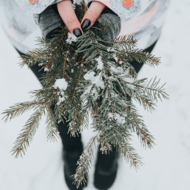 4 Little Reminders For The Person Spending The Holidays Away From Home
