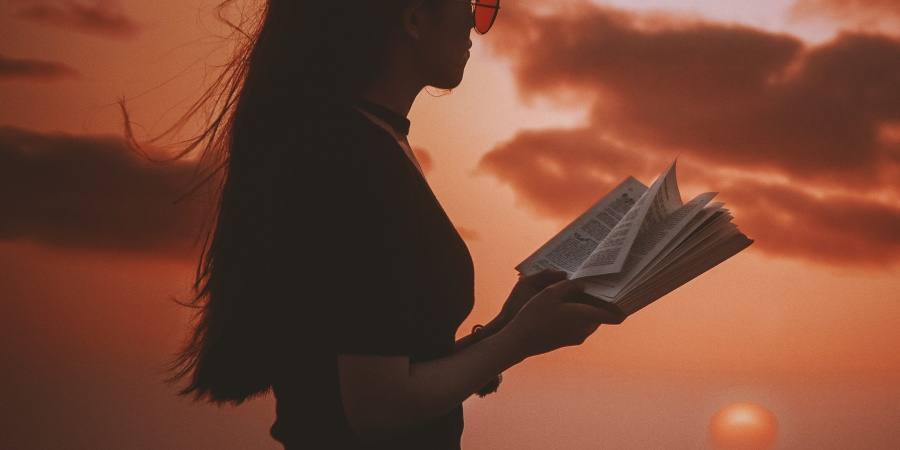 27 Disturbing Books That Will Make Your Chest Hurt And StomachChurn