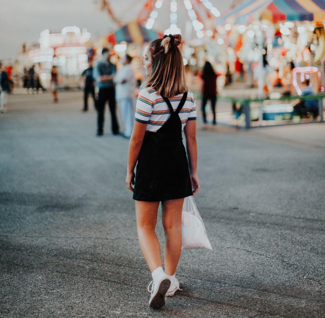 girl at fair