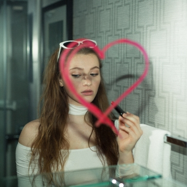 9 Ways Children Of Narcissistic Parents Love Differently