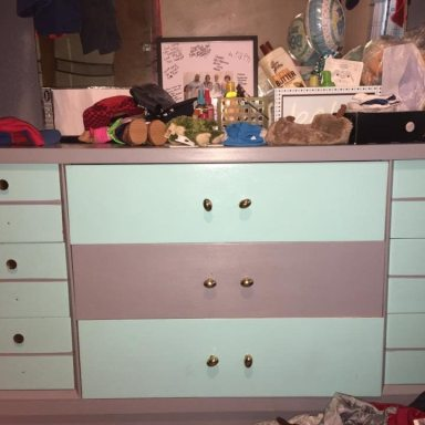 People Can't Decide If This Dresser Is Pink And White Or Blue And Grey And It's Like 'The Dress' All Over Again