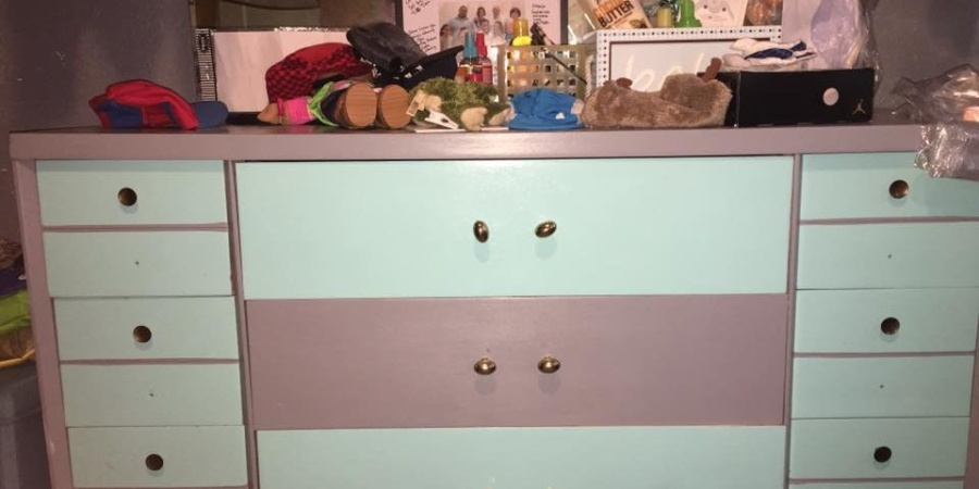 People Can't Decide If This Dresser Is Pink And White Or Blue And Grey And It's Like 'The Dress' All OverAgain