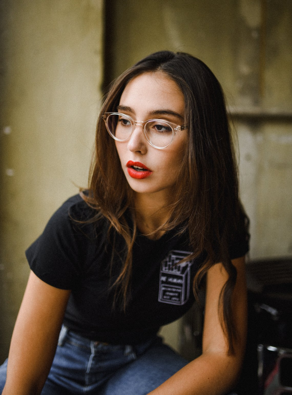 girl in red lipstick and glasses