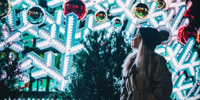 6 Tips For Surviving The Holidays With Your Family When You're AnIntrovert