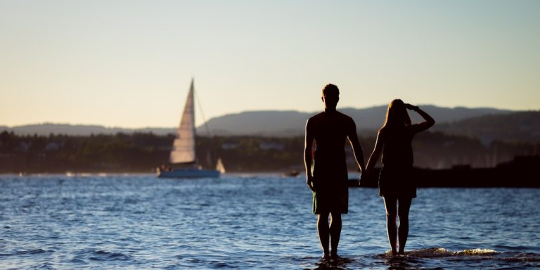 8 Reasons To Go The Non-Traditional Route And Take An Engagement HoneymoonInstead