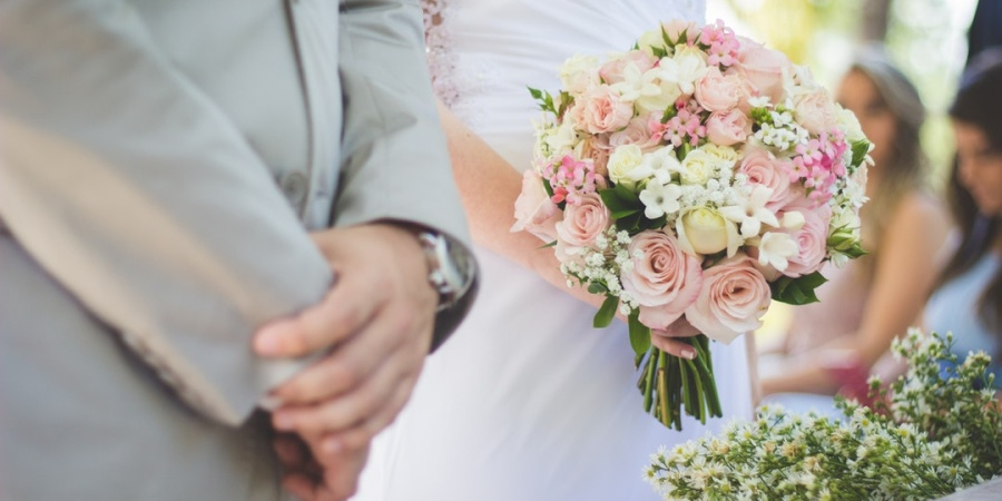 10 Things Every Working Mom Needs to Know About Planning A Wedding