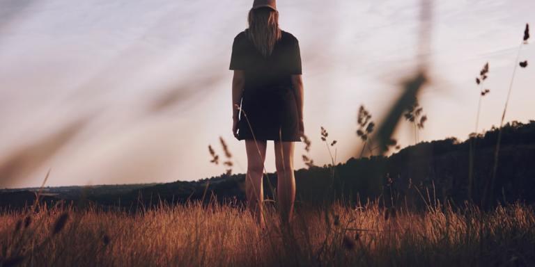 5 Unhealthy Behaviors That Are Actually Symptoms Of InfidelityPTSD