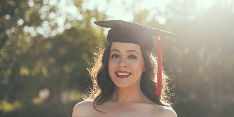 18 Solid Pieces Of Advice Every 2018 High School Graduate Needs To Hear