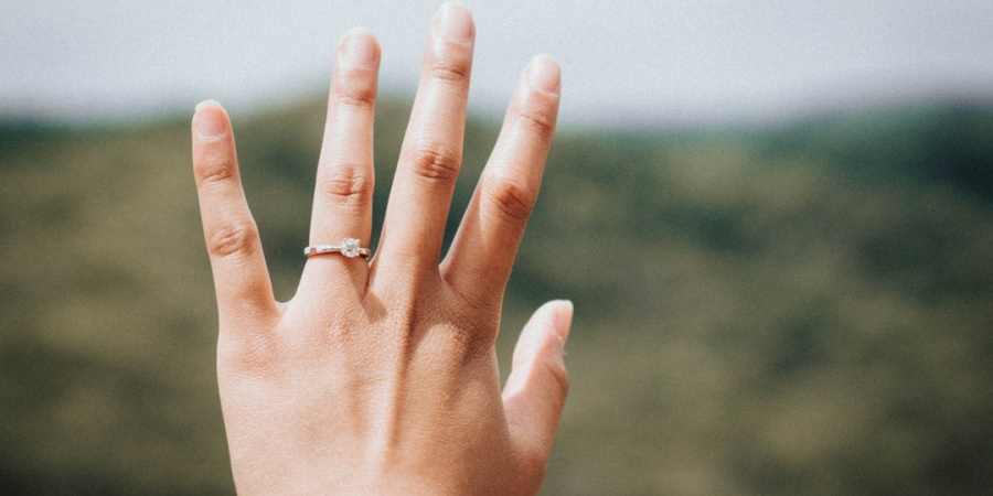 5 Signs You're Emotionally Ready To GetEngaged