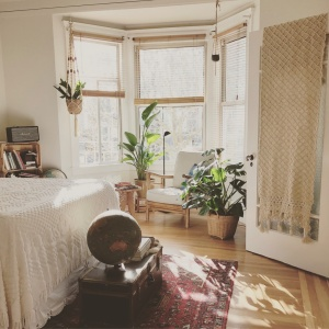 20 Essentials Every Girl Needs When Moving Into Her First Apartment