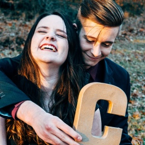 5 Little Ways To Never Let Baggage Bring Your Relationship Down
