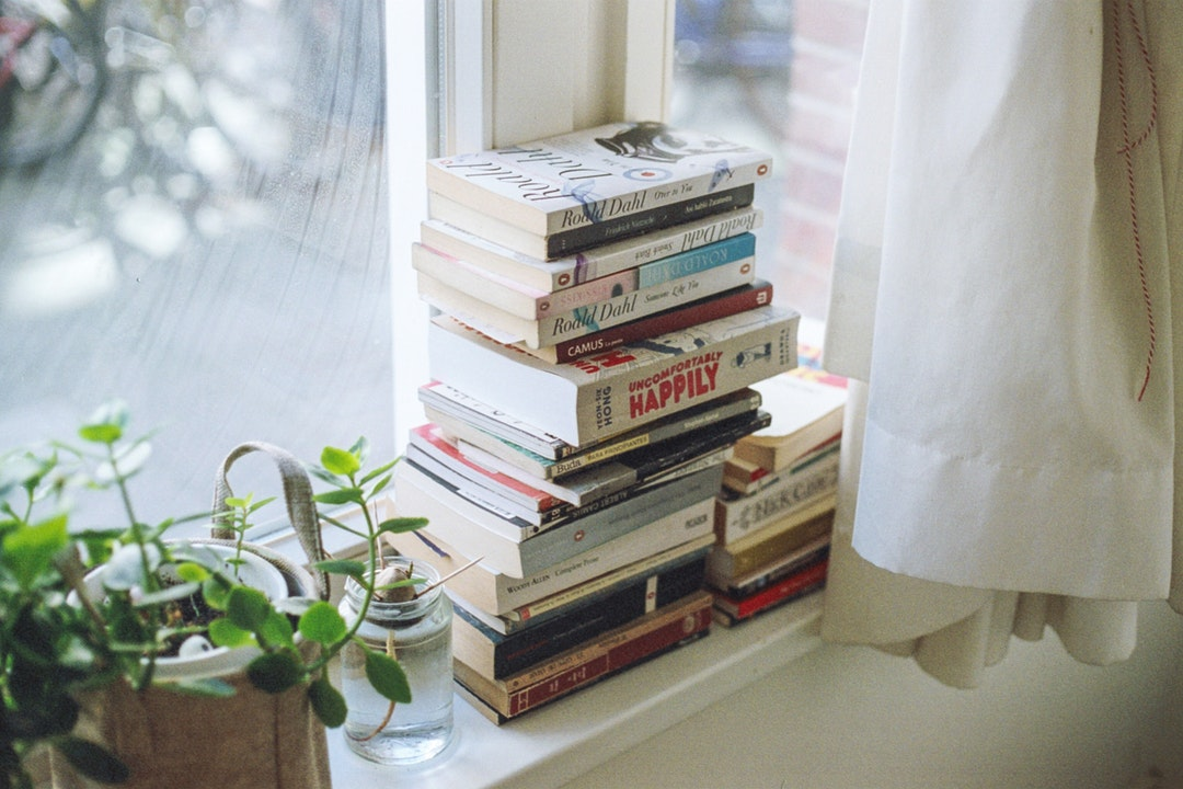 5 GenX Books Every Millennial Woman Should Have On Her Bookshelf