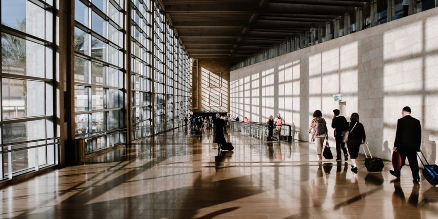 Stress, In 7 AirportVignettes
