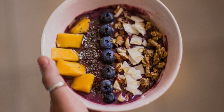 3 Ways Eating Mindfully Will Improve Your Health