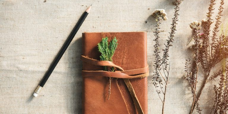 10 Tips For Keeping A Meaningful Journal (And Why You Should Start OneNow)