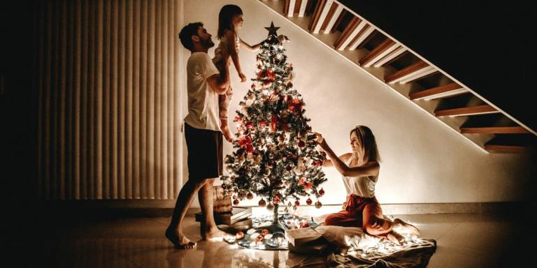 Here's Why I'm Forgoing A Traditional Family Christmas Photo ThisYear