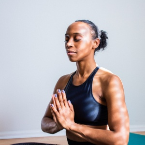 Here's Why It's Time To Start Detoxing Your Mind, Not Just Your Body