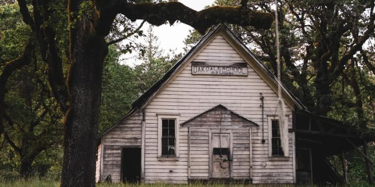 7 Side Effects Of Living In A HauntedHouse