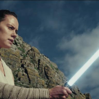 the last jedi light saber
