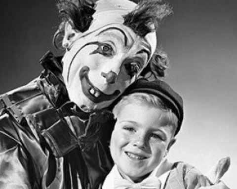 11 Vintage Photos of Super-CreepyClowns