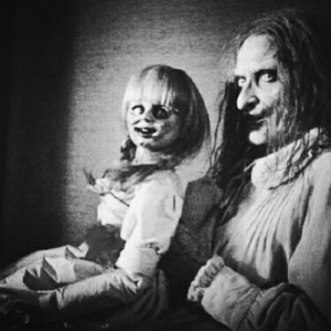 17 Of The CREEPIEST Old-School Doll Pictures Ever