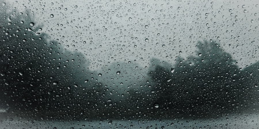 There's A Reason Why Some Of Us Feel Happier During BadWeather