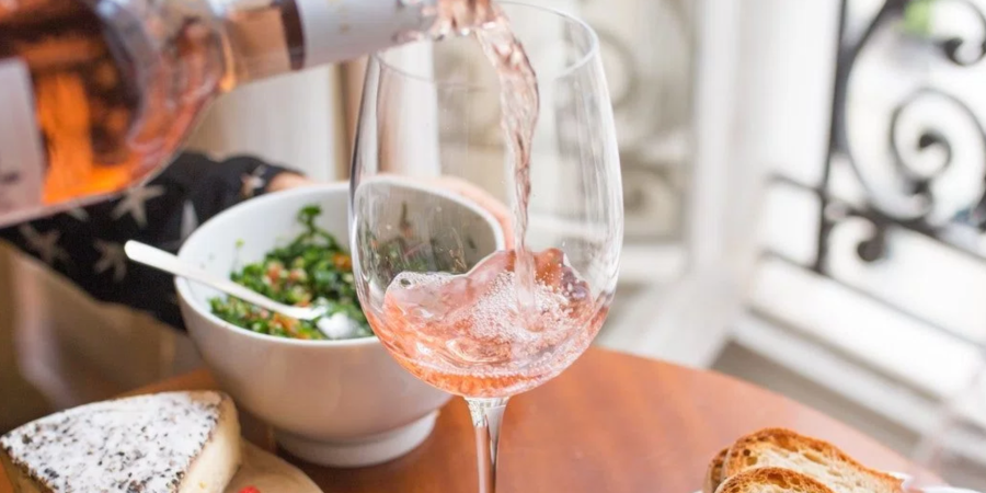 6 Reasons Your Serious Relationship With Wine Is Actually Good ForYou