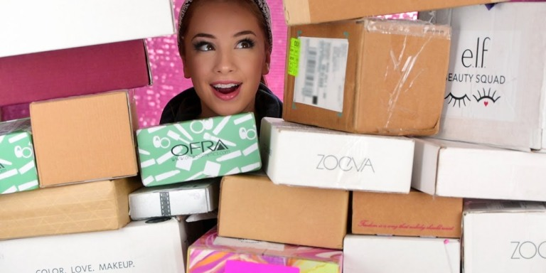 Beauty YouTubers Are Unboxing Their PR Packages On Camera And We Are Shook At All Of The FreeStuff