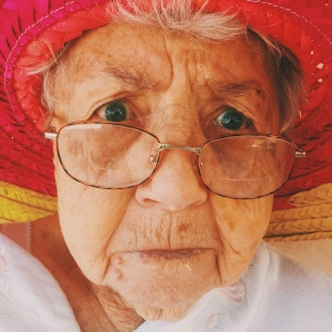 15 Grandmas Got Brutally Honest With Their Grandkids And It'll Make You Laugh Your Ass Off