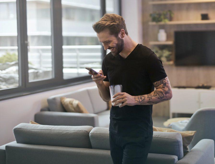 A boyfriend reading texts