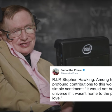 11 Tweets About Stephen Hawking's Life (And Death) That Are Heartbreakingly Beautiful