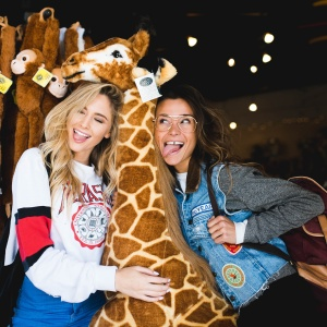 Why People Ache To Hang Out With You (In Exactly 10 Words), Based On Your Zodiac Sign