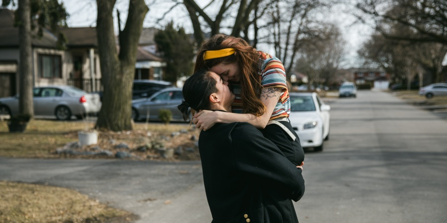 12 Things That Happen When Your Boyfriend Makes You APriority