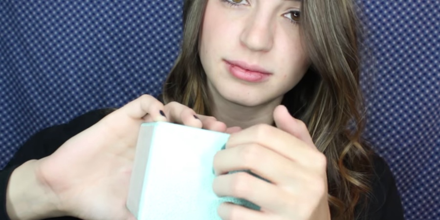 10 People Share Exactly What It's Like To Live WithASMR
