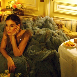 The 6 Phases Of Heartbreak For The Quintessential Funny Girl