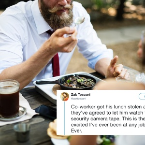 A man eating lunch and a tweet about a lunch thief