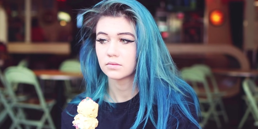 YouTuber Jessie Paege Explains What It REALLY Means To Have Social Anxiety, Because It's Not Just Binging Netflix And HatingEveryone