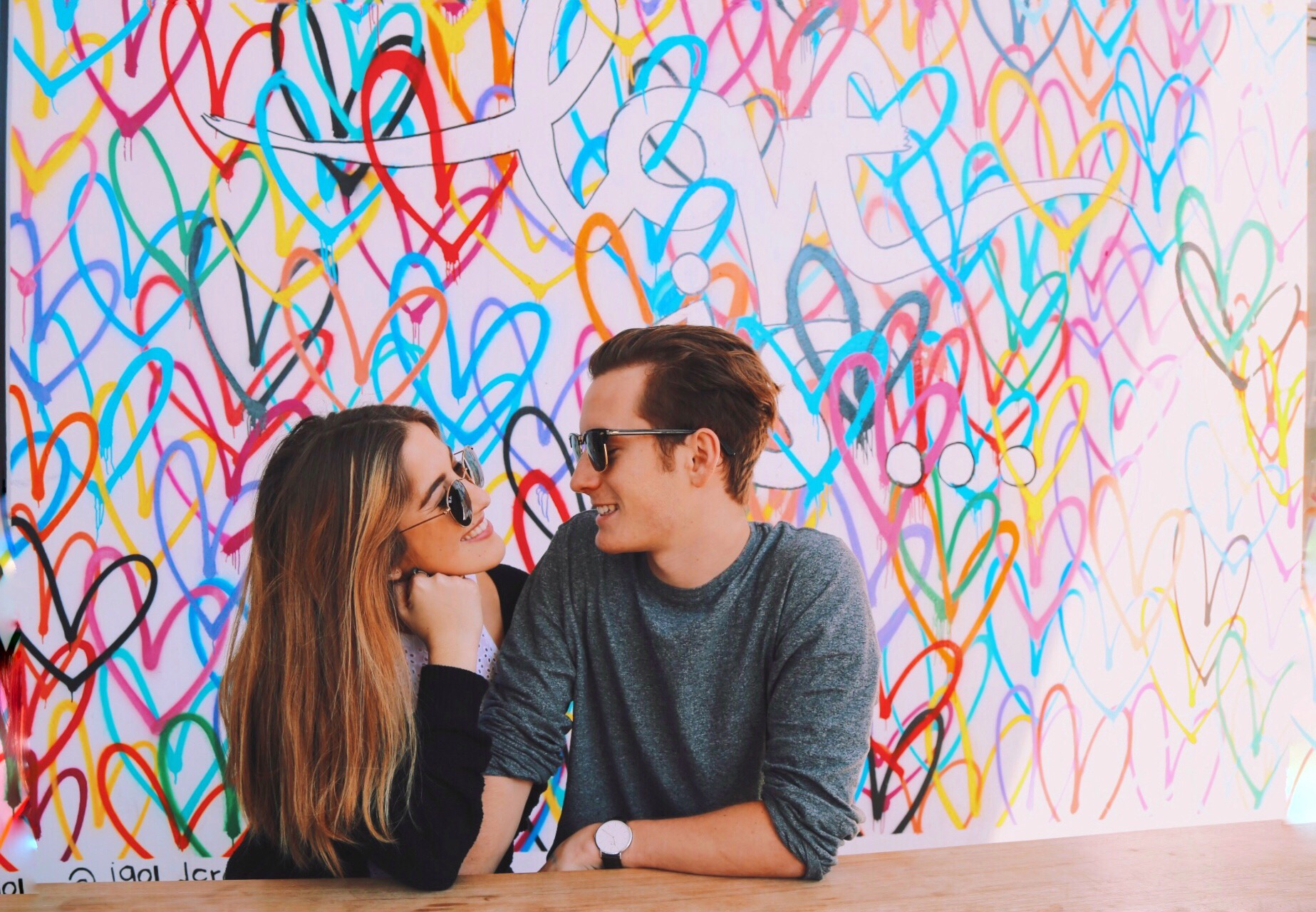 400+ First Date Questions: Everything You Need To Ask The First Time You Go Out With Someone (And More)