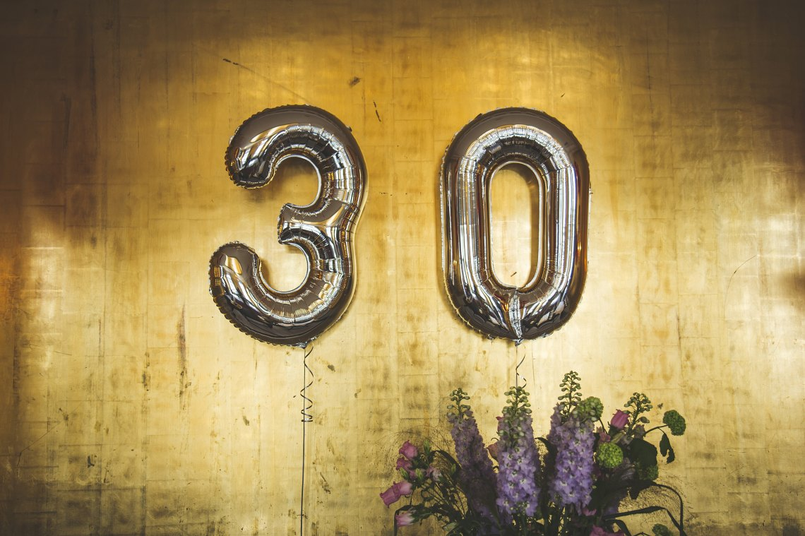 30 balloons