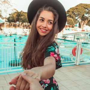 10 Things Your Girlfriend Does Because She Is Scared You Will Leave Her