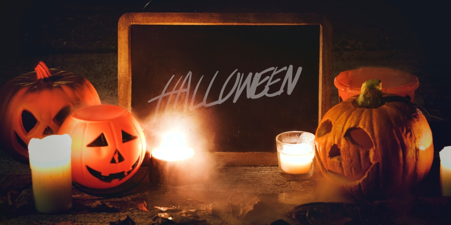 The Halloween Themed Date You Should Take Her On This October (Based On Her ZodiacSign)
