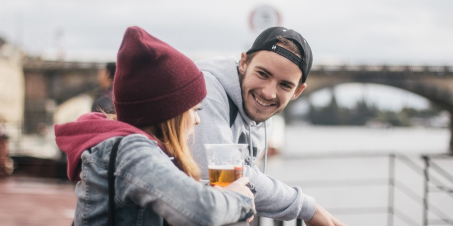 10 Mixed Signals Guys Send And What They Really Mean