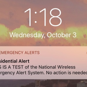 The 10 Best Jokes About THAT Presidential Text Alert