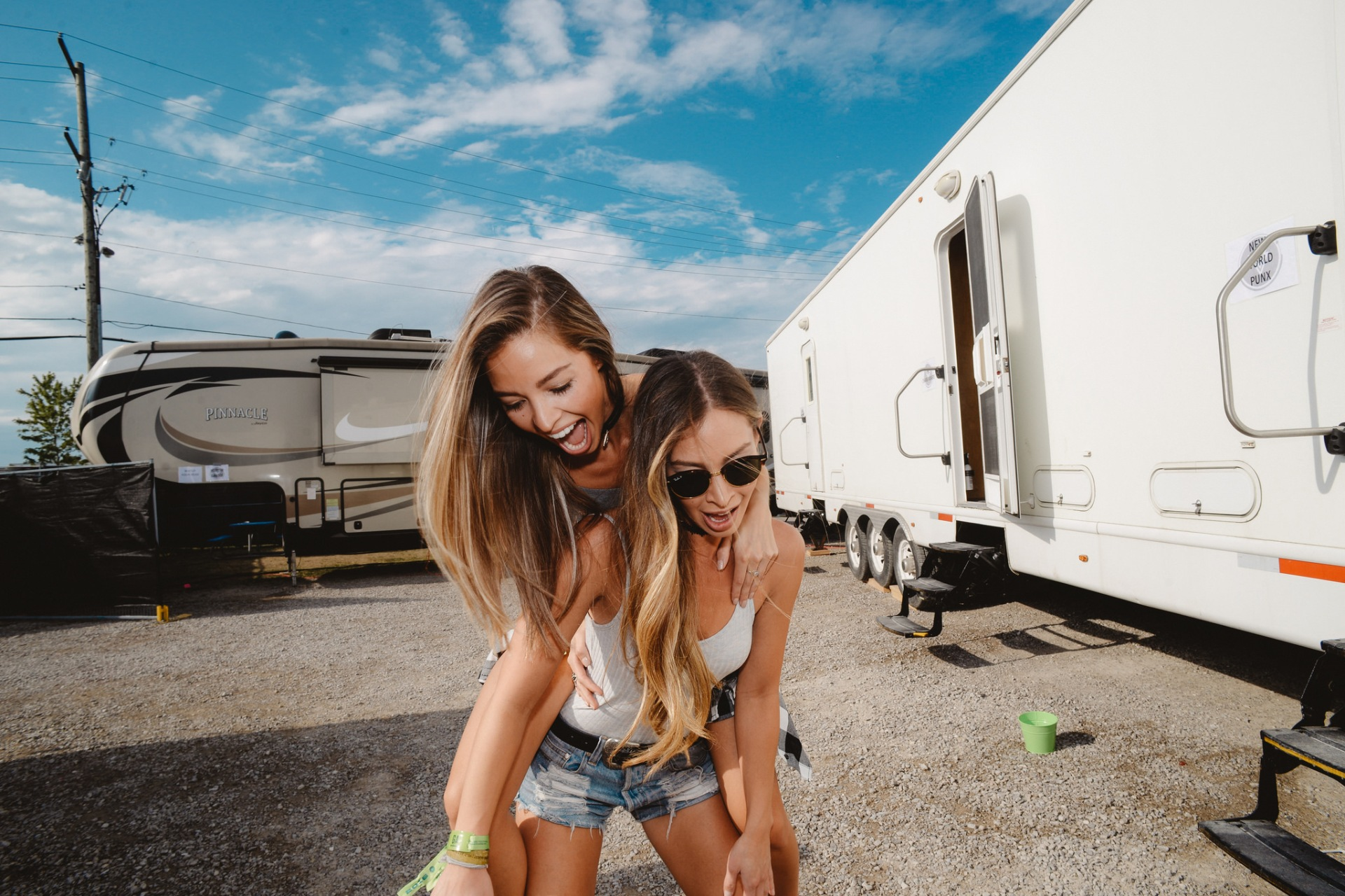 These Are The 10 Oddest Friendships In The Zodiac That Actually Work