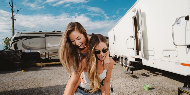 These Are The 10 Oddest Friendships In The Zodiac That ActuallyWork