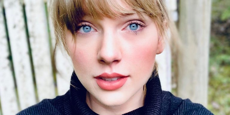 The Powerful Reminder From Taylor Swift Each Zodiac Needs On November 7