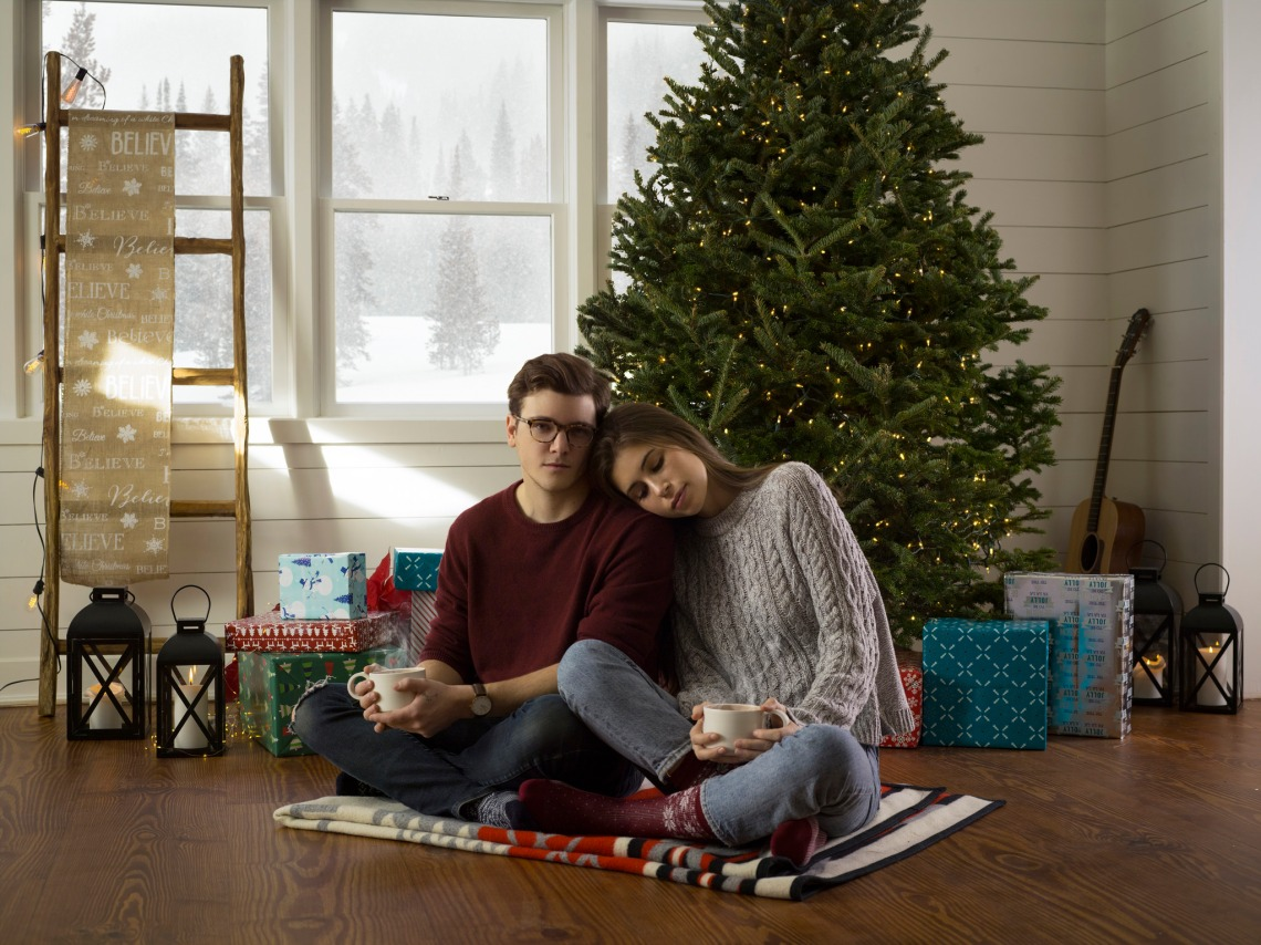Cuter Things To Do This Christmas Than Kiss Beneath The Mistletoe